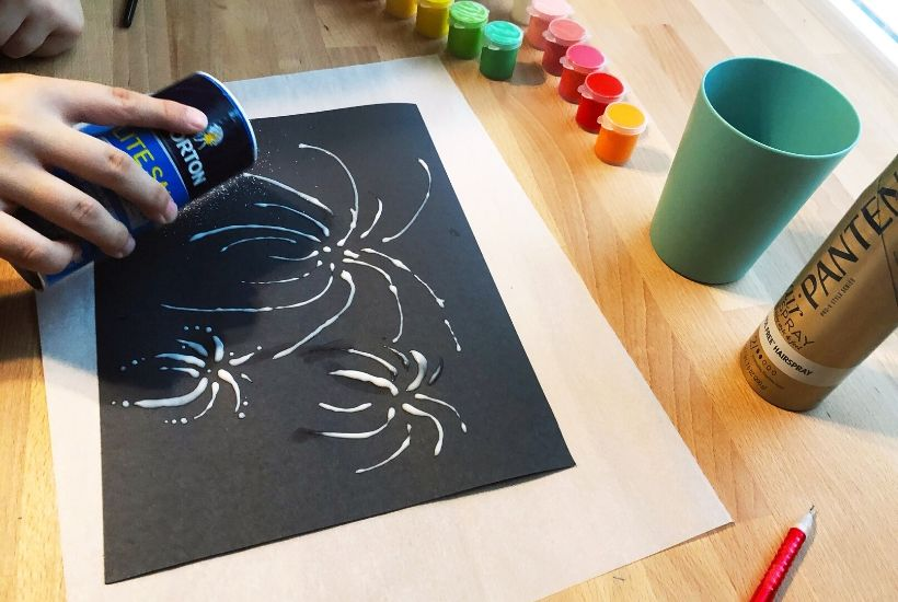 It doesn't have to be July 4th to enjoy fireworks. Make your own Fireworks Raised Salt Painting and celebrate any time of the year. This is an easy craft for kids.
