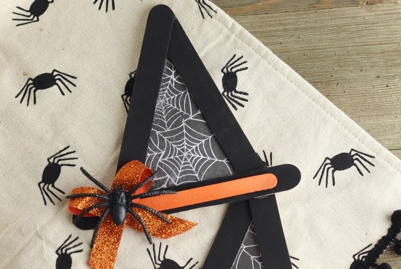 When you want to get into the Halloween spirit, this Witch Hat Craft is a must. You can create the perfect miniature witch hats with simple crafting supplies and then use these handmade items as decorations for your home, office, or classroom. This easy Halloween craft is perfect for young children too.