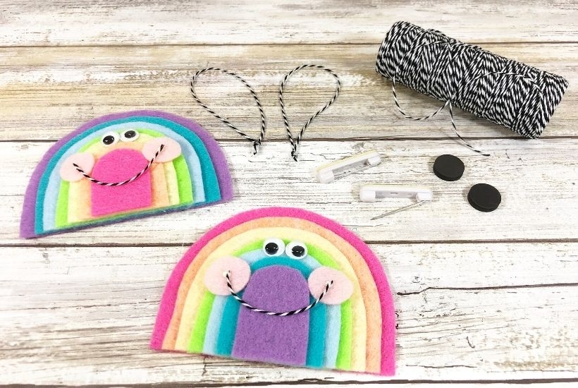Felt craft for kids - Create beautiful Kawaii Inspired Rainbows with felt while teaching young children to count and cut with ease. These rainbows are fun and straightforward to make, leaving you with lots of colorful cuteness to hang around your home or office.